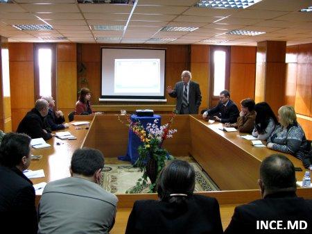 Institutul Naţional de Cercetări Economice şi Pretura Botanica  la o masă de discuţii