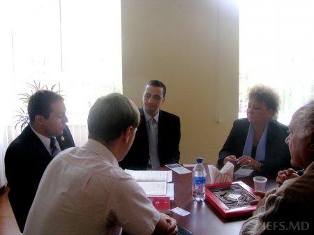 Vizita delegaţiei din Romania  la IEFS
