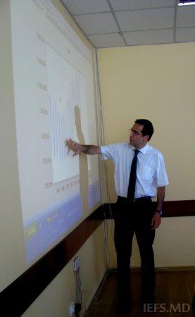 Expertul din Grecia, dl. Dr. Apostolos Papaphilippou a ţinut un seminar la IEFS  în domeniul modelării macro-economice