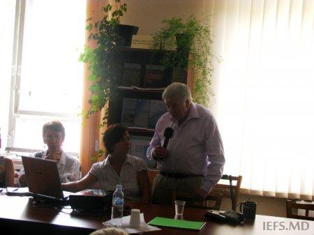 Profesorul David SMALLBONE (Universitatea Kingston, Londra, Maria Britanie) a ţinut o lecţie publică în cadrul IEFS