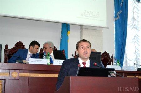 """Masa rotundă cu  genericul  """"Dezvoltarea inovaţională a unităţilor administrativ-teritoriale """""""